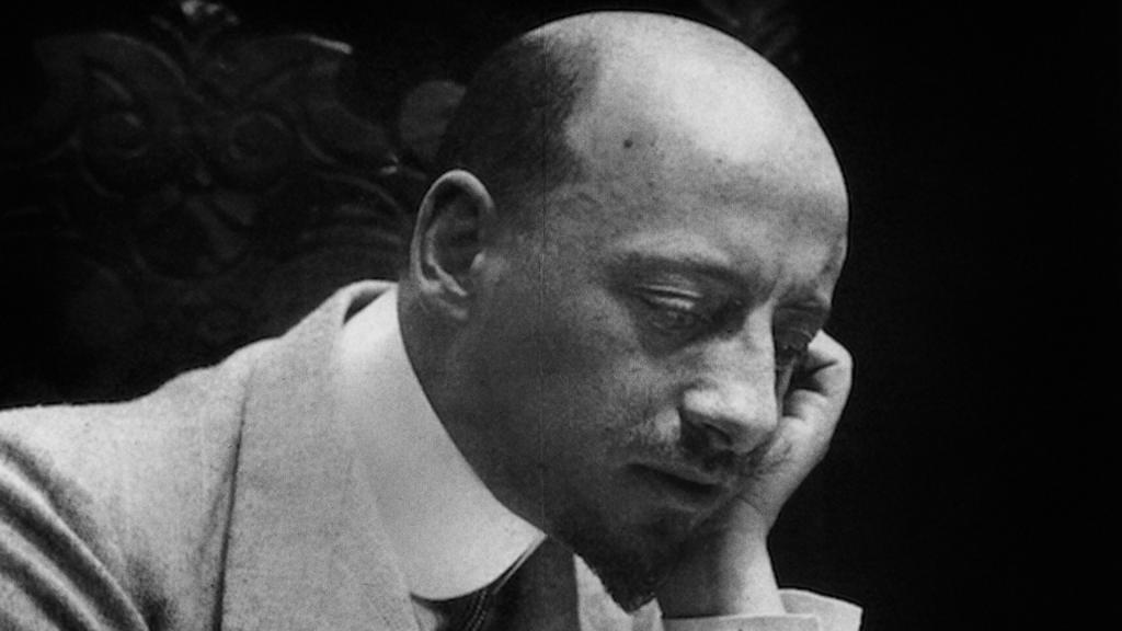 Il cattivo poeta: il film ritratto dell'ultimo D'Annunzio