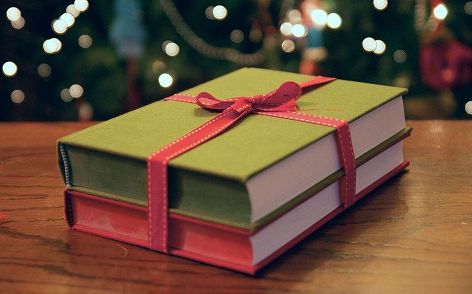 """Che libro regalare a Natale? Una domanda che in molti si fanno e a cui noi di OtherSouls cercheremo di """"rispondere""""."""
